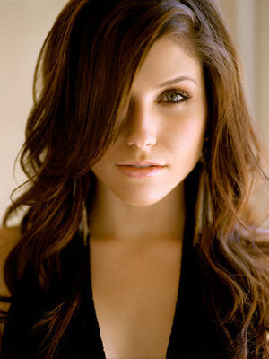 Rose Hathaway / Sophia Bush