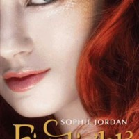Review: Firelight by Sophie Jordan
