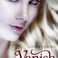 Review: Vanish by Sophie Jordan (Firelight #2)
